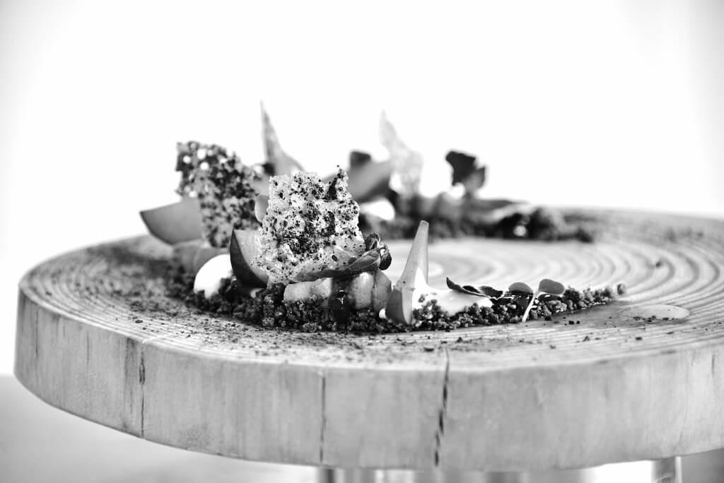 Concours jeune pâtissier aux étoiles de Mougins en 2016- desserts terre brulée: hibiscus-chocolat by Vincent Catala Chef Pâtissier & Cuisinier