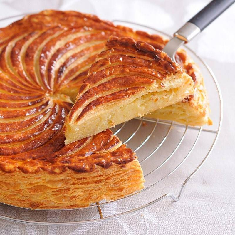 Galette des Rois Frangipane - Cake of the Kings by Vincent Catala Chef Pâtissier & Cuisinier/French Private Cuisine & Pastry Chef - Catering in Miami